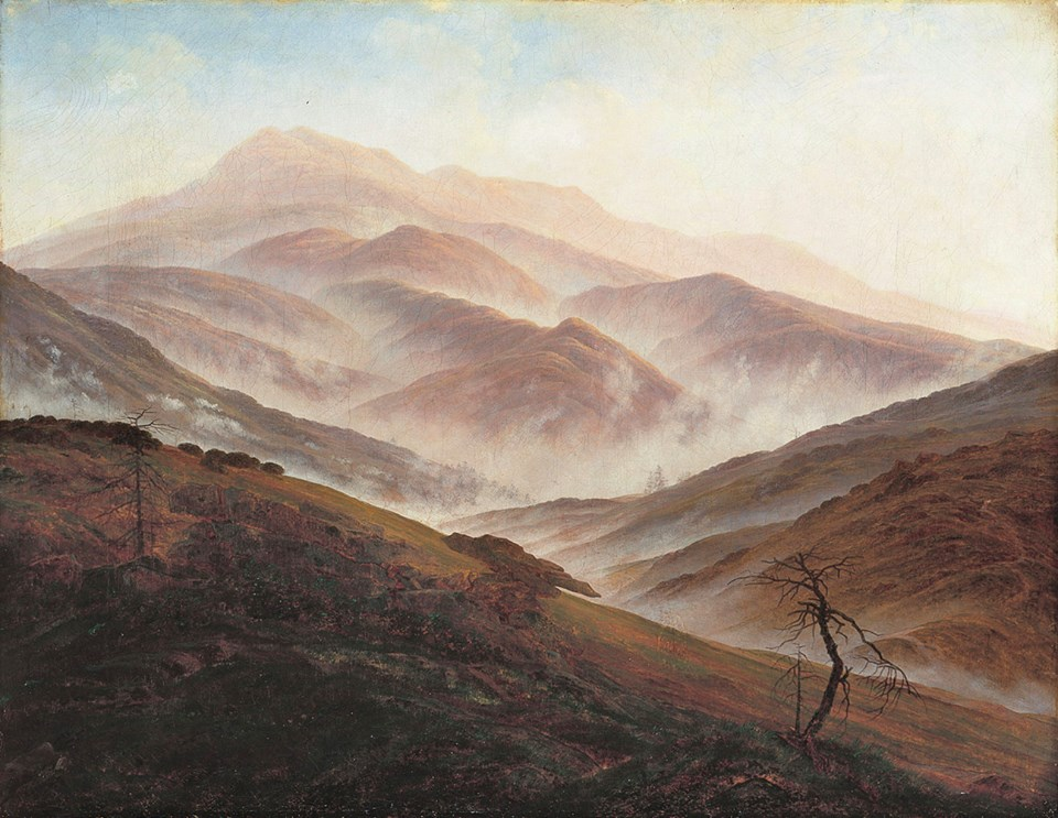 Riesengebirgslandschaft mit aufsteigendem Nebel